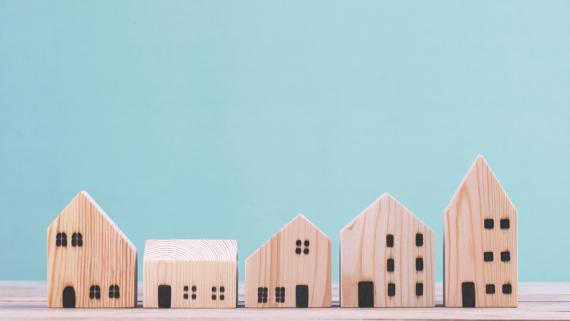 8 na 10 Polaków twierdzi, że domy drewniane są zdrowe, ale nadal panuje błędne przekonanie, że są łatwopalne