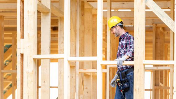 7 na 10 domów drewnianych powstaje na wsi. Teraz budownictwo drewniane przenosi się do miast